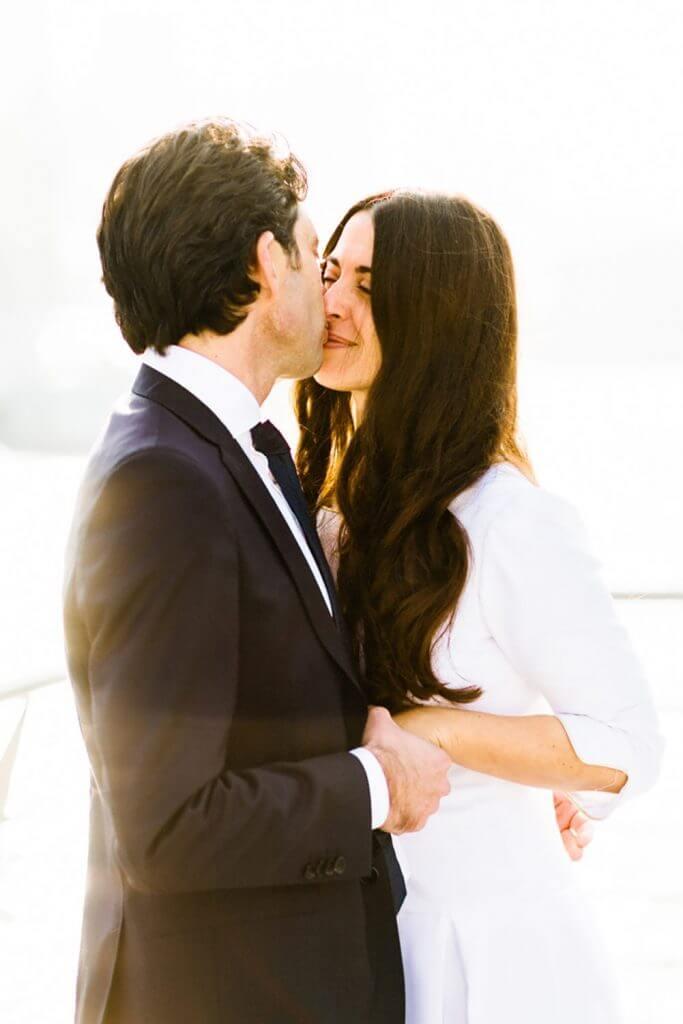 Photographie de mariage à Paris sur les bâteaux mouches